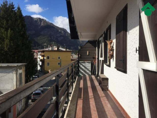 Bilocale Cesana Torinese Via Montello, 9 2