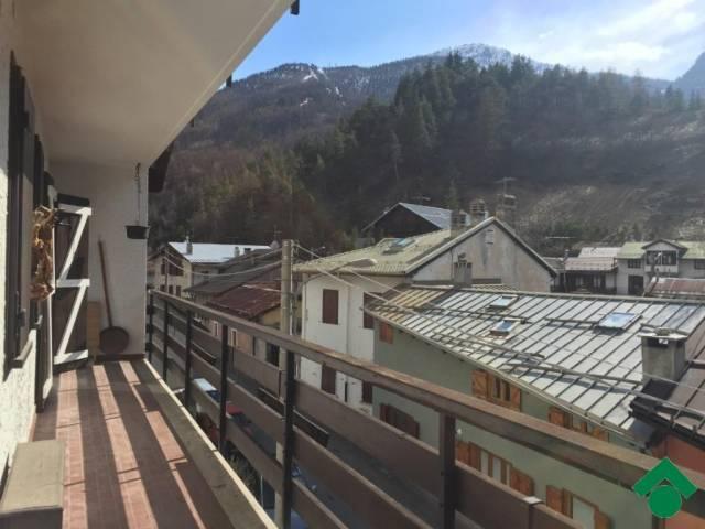Bilocale Cesana Torinese Via Montello, 9 3