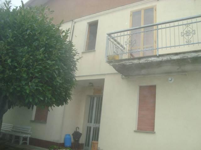 Appartamento in buone condizioni parzialmente arredato in vendita Rif. 4910488