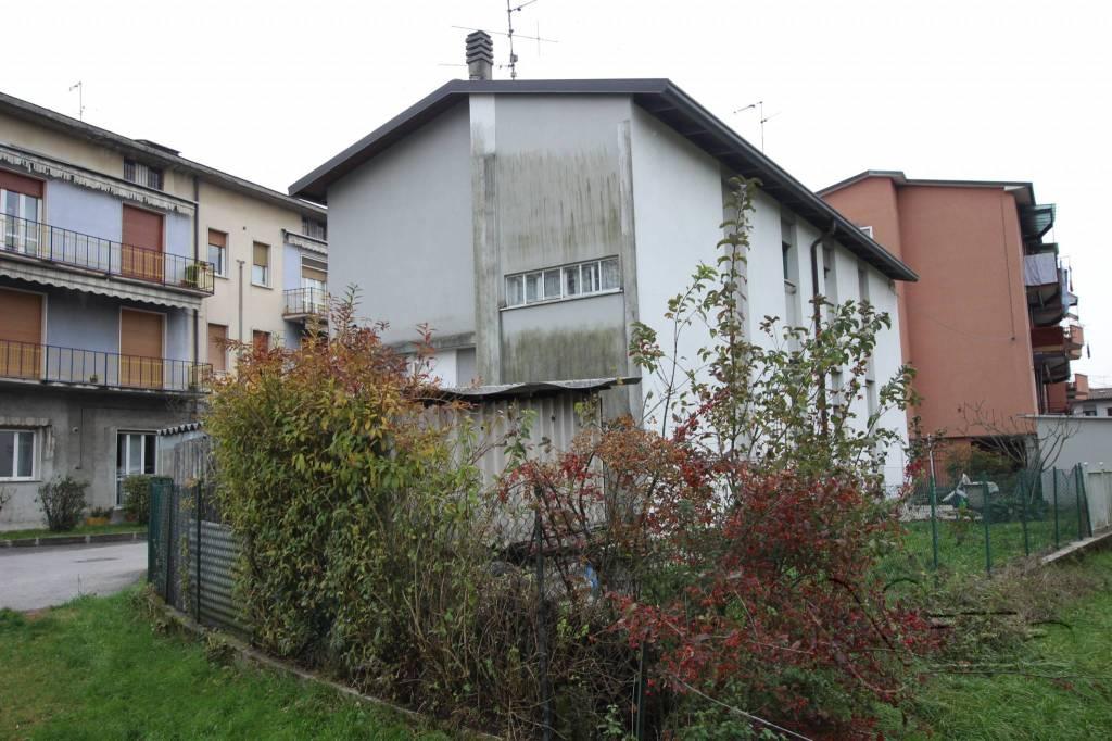 Appartamento da ristrutturare in vendita Rif. 4314965