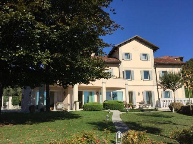 Villa in vendita a Monticello Brianza, 5 locali, prezzo € 930.000   Cambio Casa.it