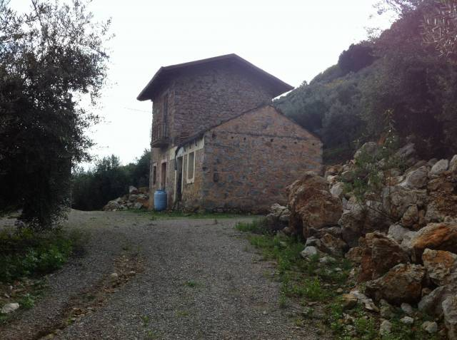 Rustico / Casale da ristrutturare in vendita Rif. 4292735
