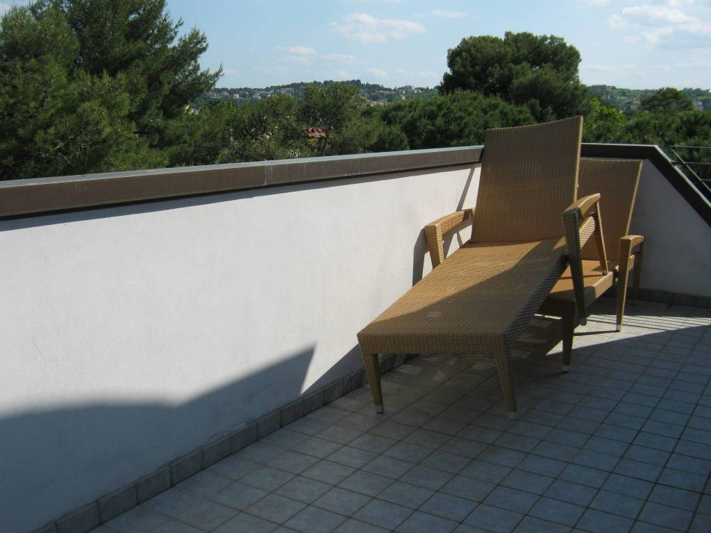 Attico / Mansarda in vendita a Riccione, 5 locali, Trattative riservate | PortaleAgenzieImmobiliari.it