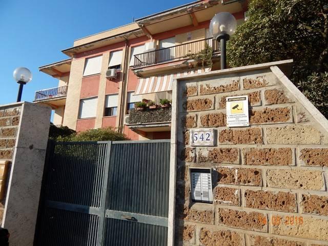 Appartamento da ristrutturare in vendita Rif. 4953865
