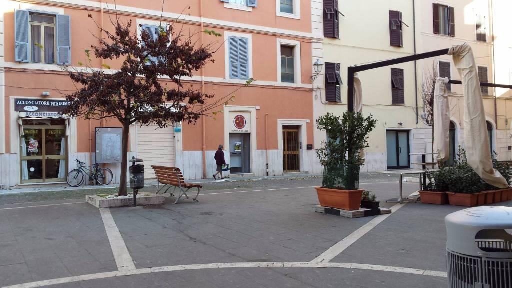 Appartamento in buone condizioni arredato in affitto Rif. 7888220
