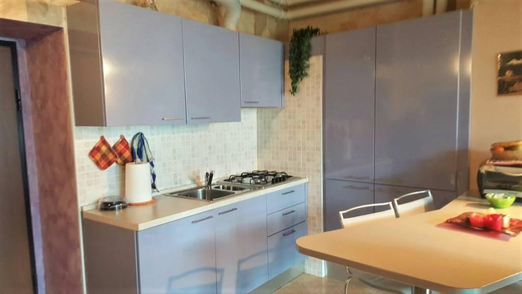 Appartamento in vendita a Castione Andevenno, 2 locali, prezzo € 63.000 | CambioCasa.it