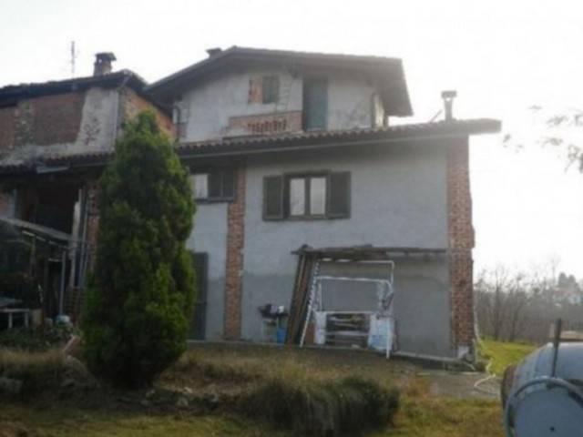 Villa in vendita a San Colombano Belmonte, 4 locali, prezzo € 58.000 | CambioCasa.it