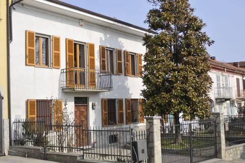 Rustico / Casale in vendita a Camerano Casasco, 6 locali, prezzo € 147.000 | CambioCasa.it