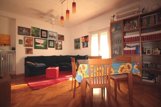 Appartamento in ottime condizioni in vendita Rif. 6974905