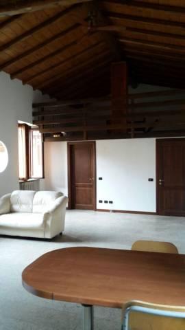 Appartamento in affitto a Missaglia, 3 locali, prezzo € 500 | Cambio Casa.it