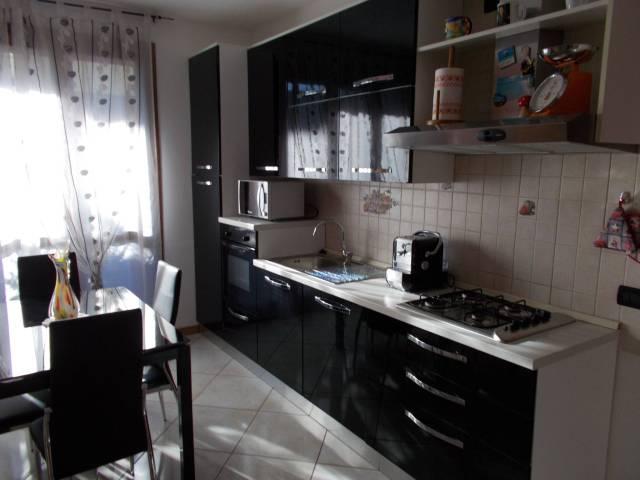 Appartamento in vendita a Pontirolo Nuovo, 2 locali, prezzo € 120.000 | Cambio Casa.it