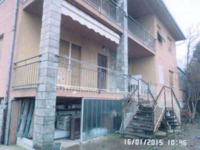 Appartamento in vendita a Ivrea, 4 locali, prezzo € 80.000 | Cambio Casa.it