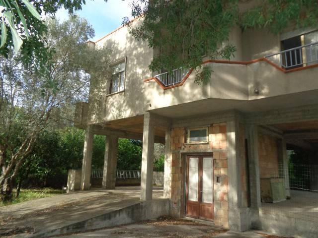 Villa in vendita a Bovalino, 6 locali, Trattative riservate | CambioCasa.it