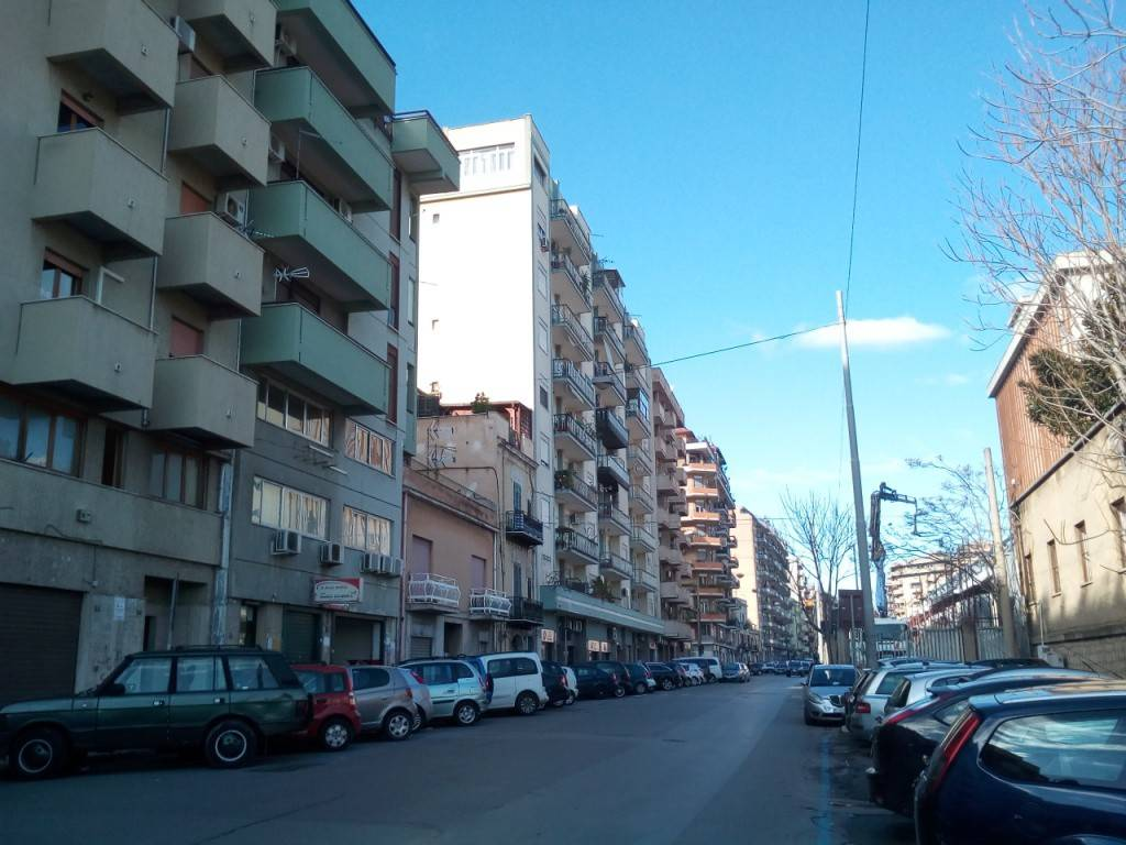 Ufficio-studio in Affitto a Palermo Centro:  5 locali, 140 mq  - Foto 1