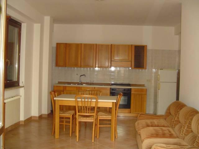 Appartamento in buone condizioni arredato in vendita Rif. 6298794