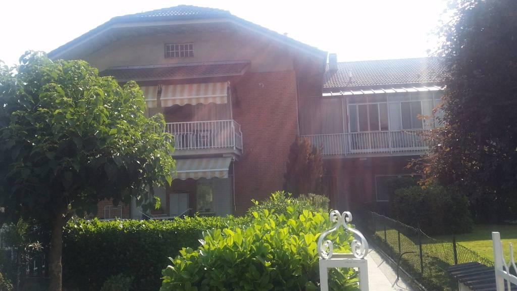 Appartamento in buone condizioni in vendita Rif. 8006209