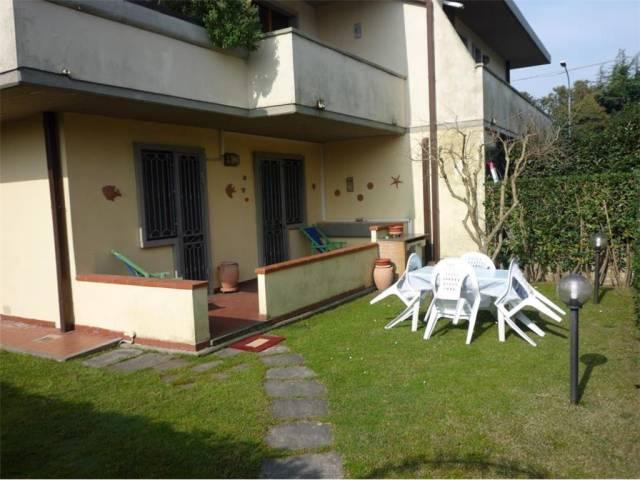 Appartamento trilocale in vendita a Montignoso (MS)