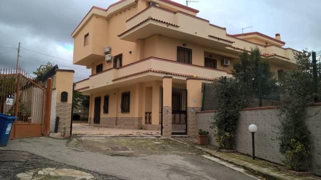 Villa in ottime condizioni in vendita Rif. 4877399