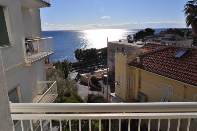 Appartamento in Affitto a San Remo Periferia Est: 4 locali, 78 mq
