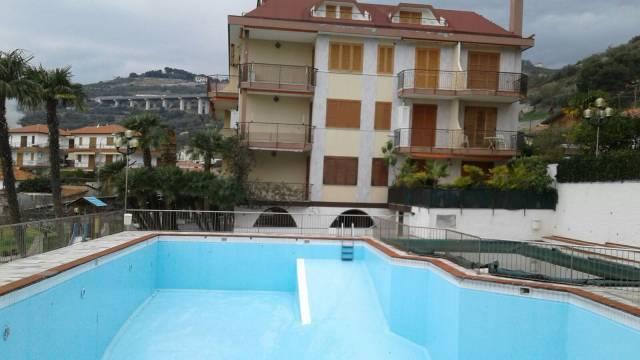 Appartamento in buone condizioni arredato in vendita Rif. 4241829