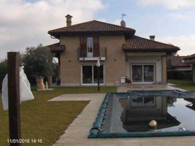 Villa in vendita a San Francesco al Campo, 6 locali, prezzo € 300.000 | Cambio Casa.it