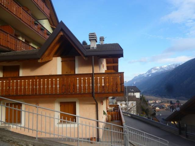 Appartamento in vendita a Vezza d'Oglio, 2 locali, prezzo € 110.000 | CambioCasa.it
