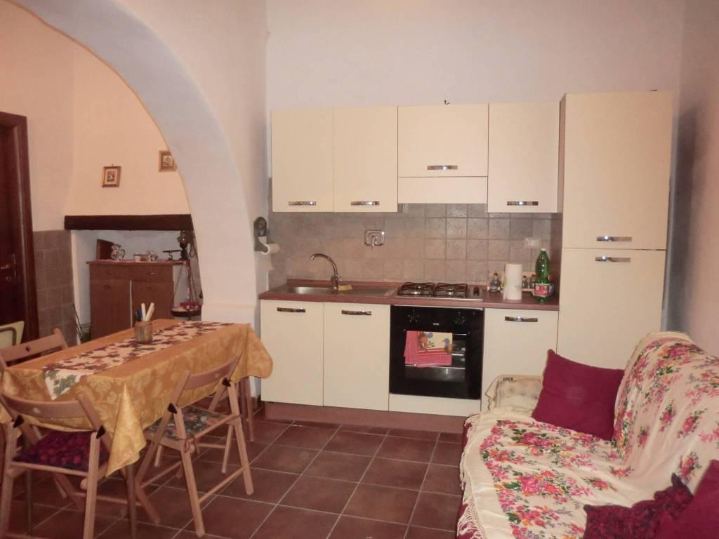 Appartamento in ottime condizioni arredato in affitto Rif. 6755694