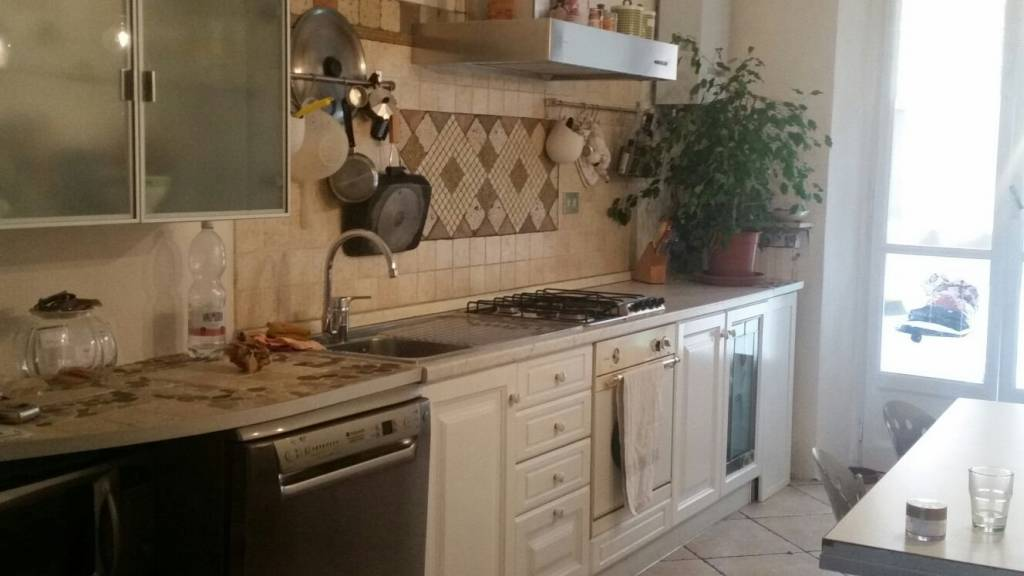 Appartamento in buone condizioni arredato in affitto Rif. 8803739