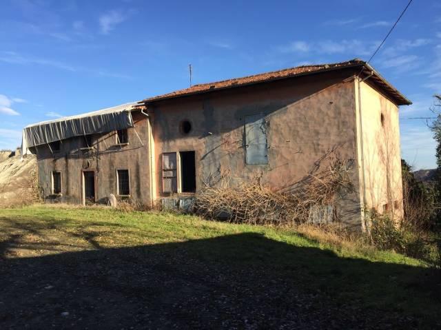 Rustico / Casale in vendita a Casalfiumanese, 5 locali, prezzo € 150.000 | CambioCasa.it