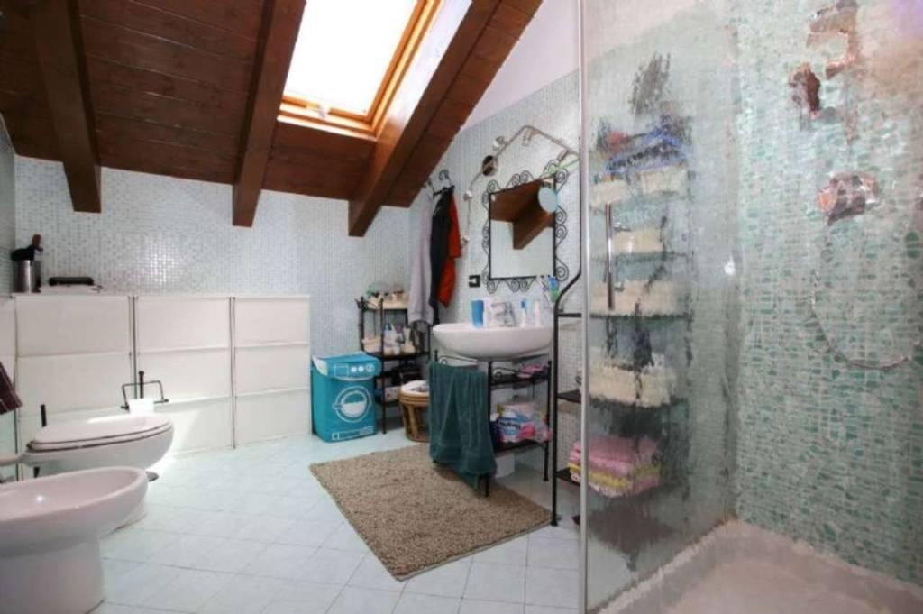 Appartamento in ottime condizioni in vendita Rif. 9447400
