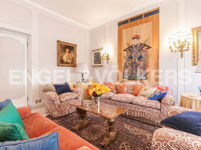 Appartamento in Vendita a Roma 04 Nomentano / Bologna: 5 locali, 220 mq