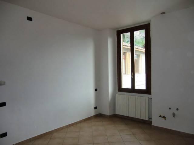 Appartamento in ottime condizioni in vendita Rif. 4428807