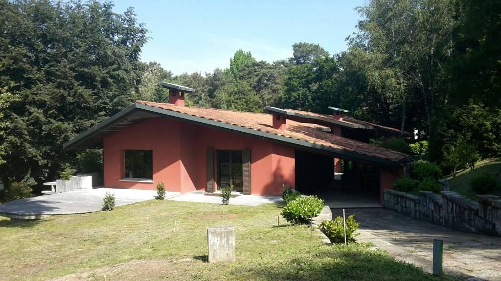 Villa in vendita a Appiano Gentile, 8 locali, Trattative riservate | PortaleAgenzieImmobiliari.it