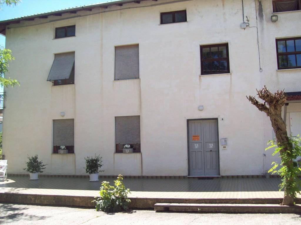 Appartamento in vendita a Lerma, 4 locali, prezzo € 60.000 | PortaleAgenzieImmobiliari.it