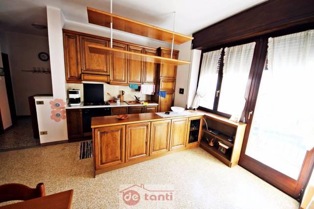 Appartamento in vendita a Novate Mezzola, 4 locali, prezzo € 95.000   Cambio Casa.it