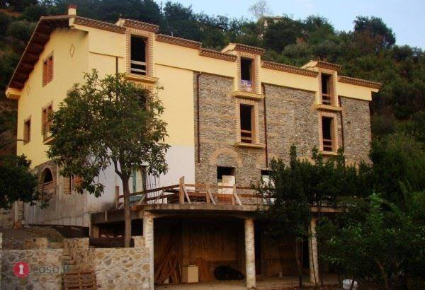 Villa-Villetta Vendita Longobardi