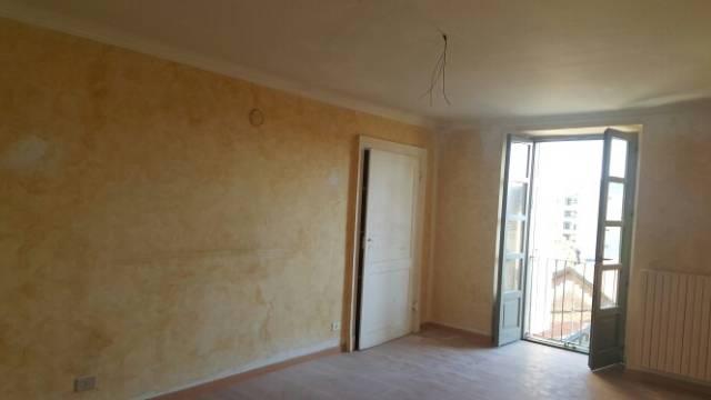 Appartamento in buone condizioni in affitto Rif. 6624747