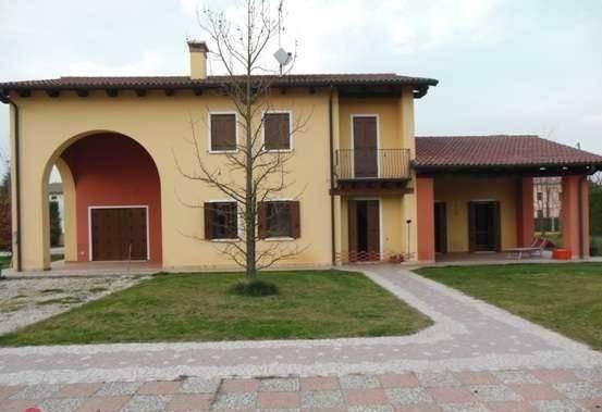 Villa in vendita a Veggiano, 6 locali, Trattative riservate | Cambio Casa.it