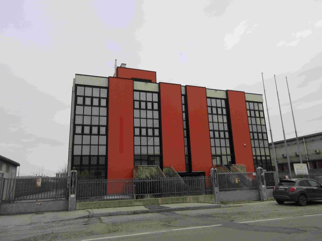 Laboratorio in affitto a Bruino, 6 locali, prezzo € 4.000 | PortaleAgenzieImmobiliari.it
