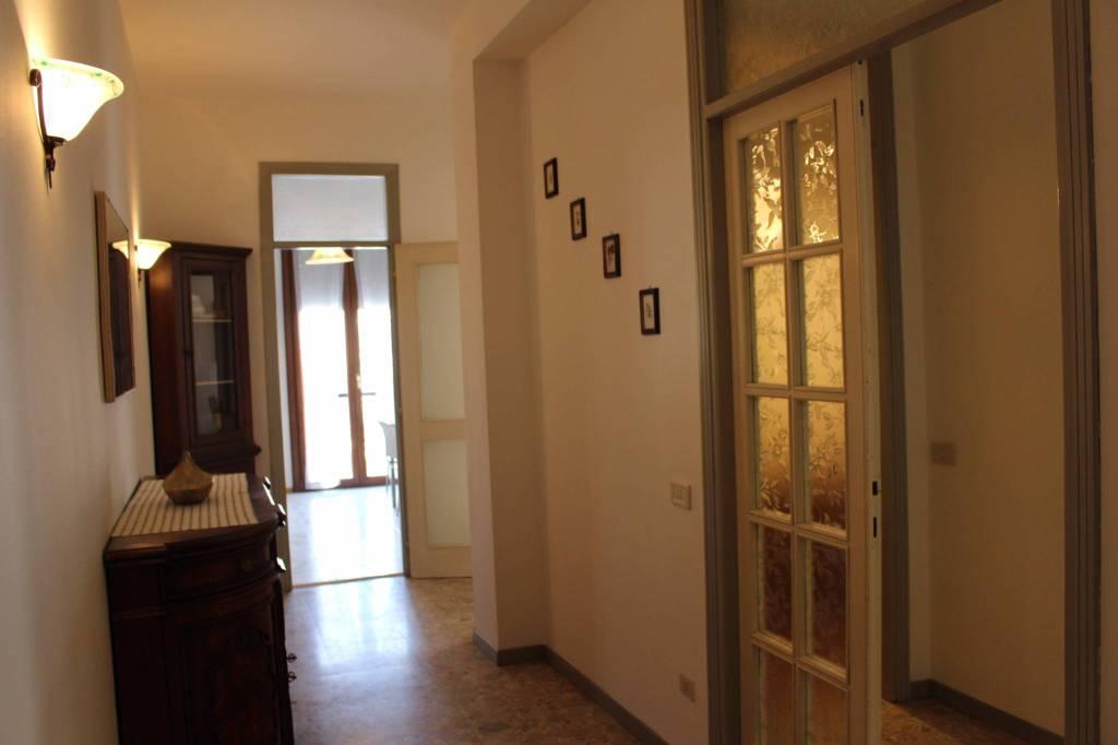 Appartamento in Affitto a Parma Centro: 3 locali, 100 mq