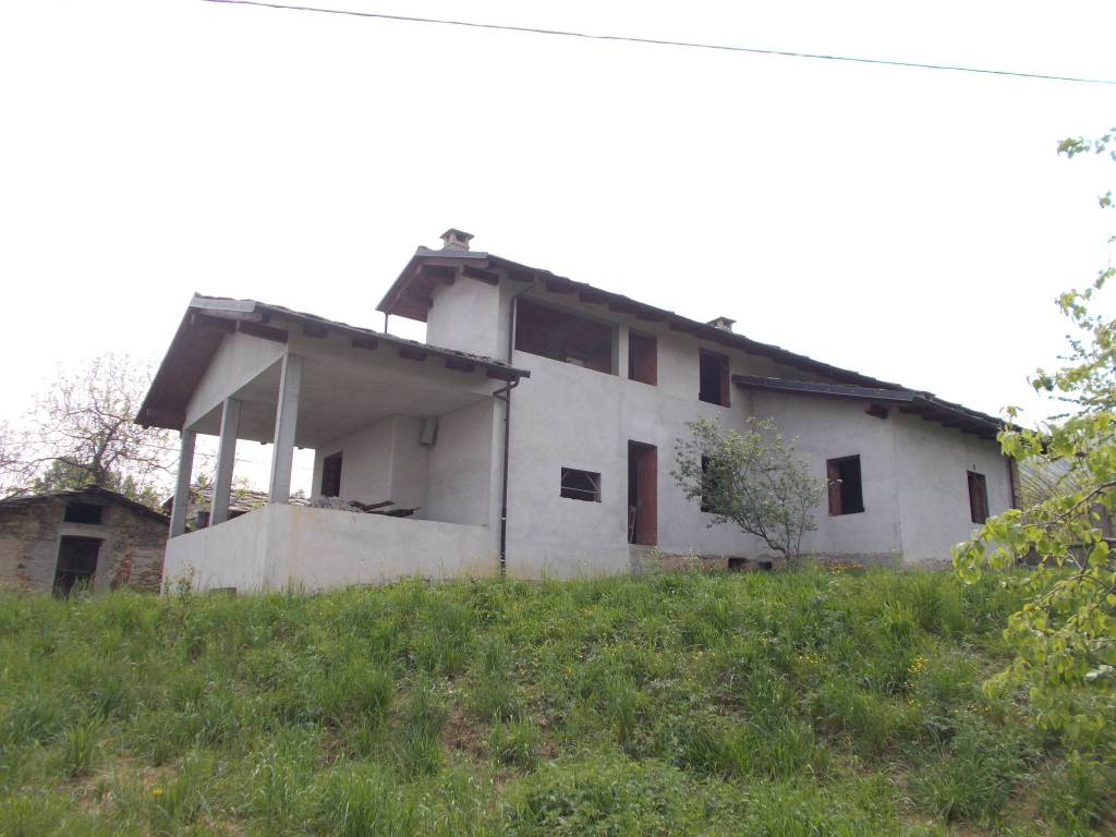 Villa in vendita a Cavour, 6 locali, prezzo € 165.000 | PortaleAgenzieImmobiliari.it