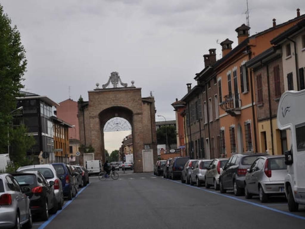 Attivita'-licenza in Vendita a Ravenna Centro: 200 mq