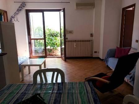Appartamento in buone condizioni arredato in affitto Rif. 4398867