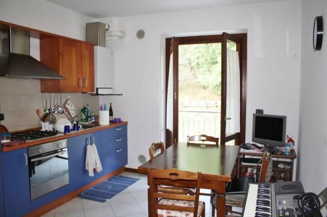 Appartamento in buone condizioni arredato in vendita Rif. 4216007