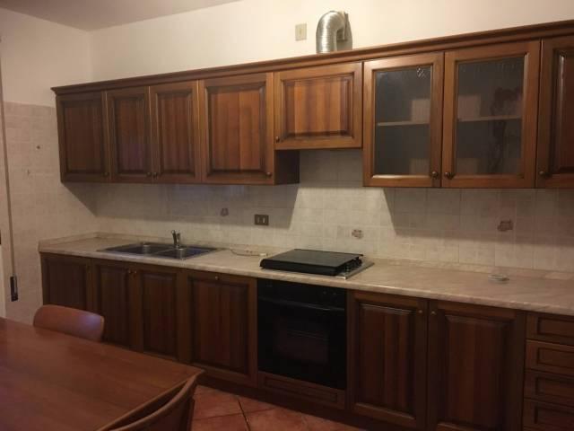 Appartamento in ottime condizioni parzialmente arredato in affitto Rif. 4517790