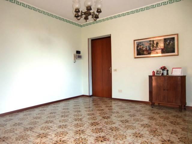Appartamento in buone condizioni in vendita Rif. 4428810