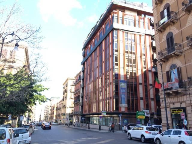 Ufficio-studio in Vendita a Palermo Centro: 5 locali, 180 mq