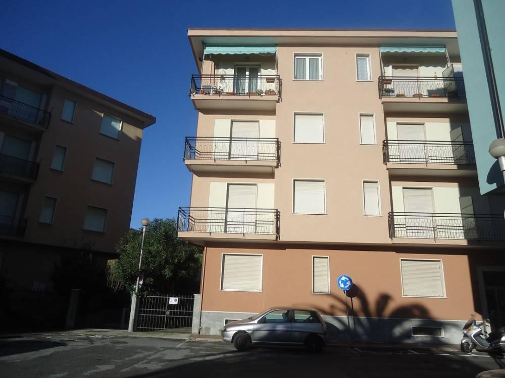 Appartamento in affitto a Spotorno, 4 locali, Trattative riservate | CambioCasa.it