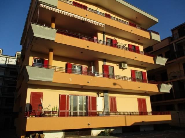 Appartamento in affitto a Acerra, 4 locali, prezzo € 400 | Cambio Casa.it