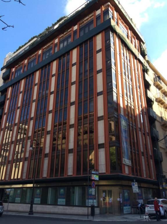 Ufficio-studio in Vendita a Palermo Centro: 5 locali, 165 mq